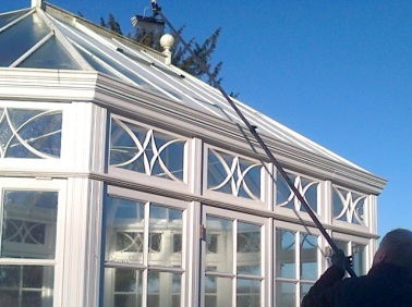 Gently removing the grime from inaccessible roof