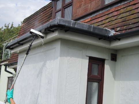 soffits and gutters being washed4